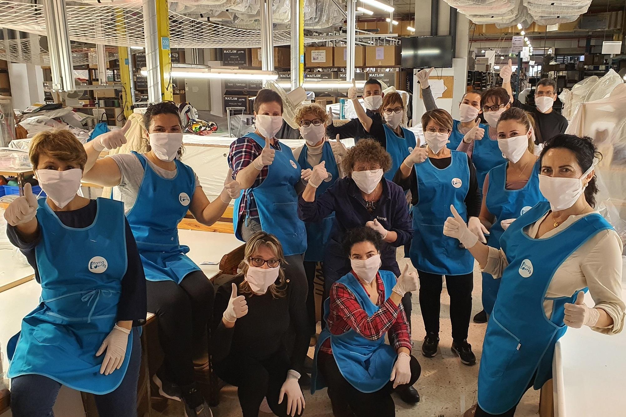 FAMA Sofás, una fábrica de sofás en Yecla haciendo mascarillas